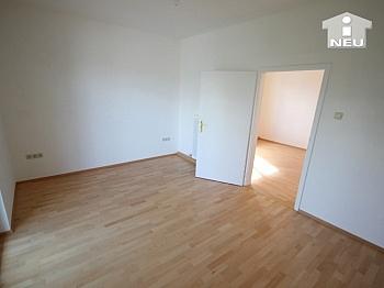 Vermietung Badezimmer Sanierung - Neu saniertes Zweifamilienhaus in Klagenfurt