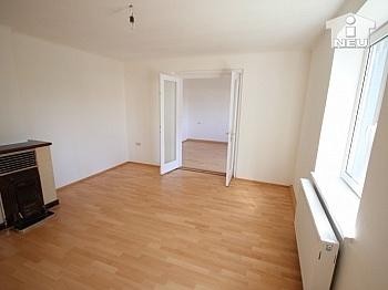 Fliesenböden Abstellräume Wohnfläche - Neu saniertes Zweifamilienhaus in Klagenfurt