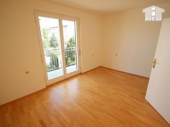 Seegasse sanierte flaches - Neu saniertes Zweifamilienhaus in Klagenfurt