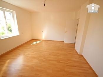 Wohnungen typisches komplett - Neu saniertes Zweifamilienhaus in Klagenfurt