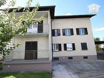 Wohnzimmer ERSTBEZUG Ostbalkon - Neu saniertes Zweifamilienhaus in Klagenfurt