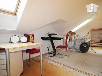 Wohnzimmer Badewanne vorhanden - Neuwertiges, großzügiges Reihenhaus in Annabichl