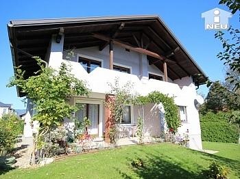 großes Zimmer Holzisolierglasfenster - Schönes großes Wohnhaus in Annabichl