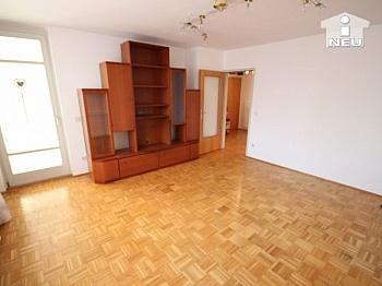inkl Wintergarten Fernwärme - Schöne helle 3 Zi Wohnung in Feschnig