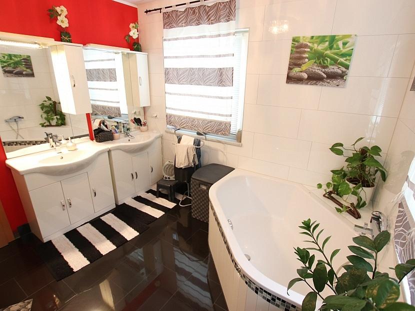 -Neuwertiges schönes 115m² Wohnhaus in Moosburg