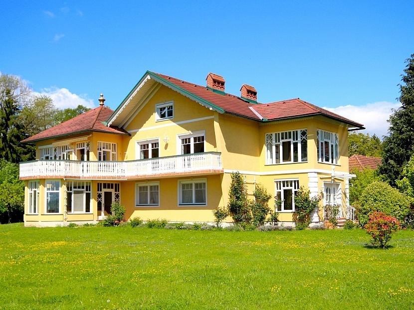 -Südseitige Außenansicht/Haupthaus